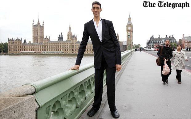 homem-mais-alto-do-mundo